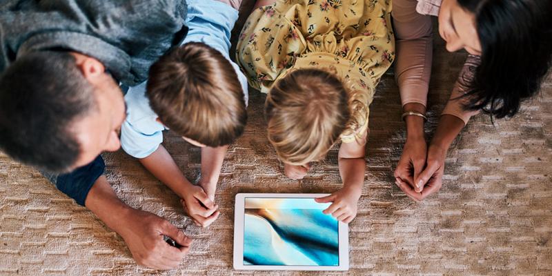Il 33,8% delle famiglie italiane non ha PC o tablet a casa e in pochi hanno competenze digitali elevate